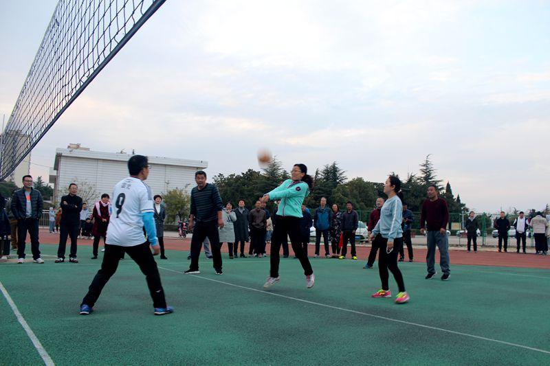 淮北第八高中2019下半学期教工排球友谊赛开幕