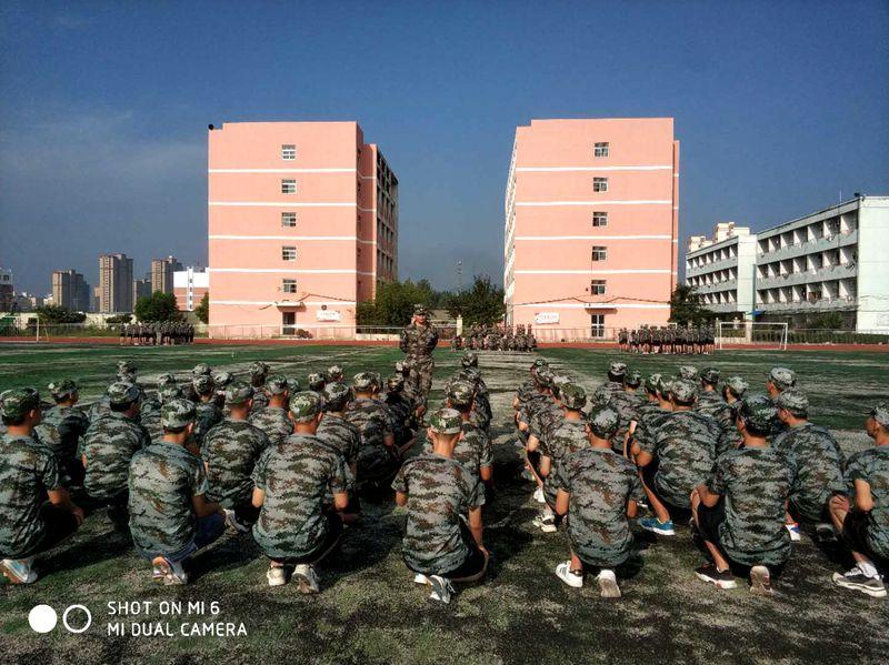 淮北第八高中开展2020级高一新生军训活动